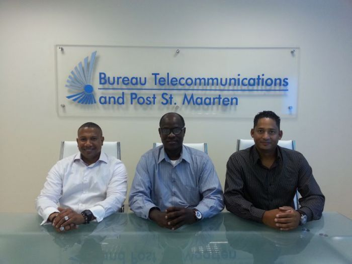 From left to right: Giovanni King, Shernon Osepa (ISOC), Ryan Wijngaarde